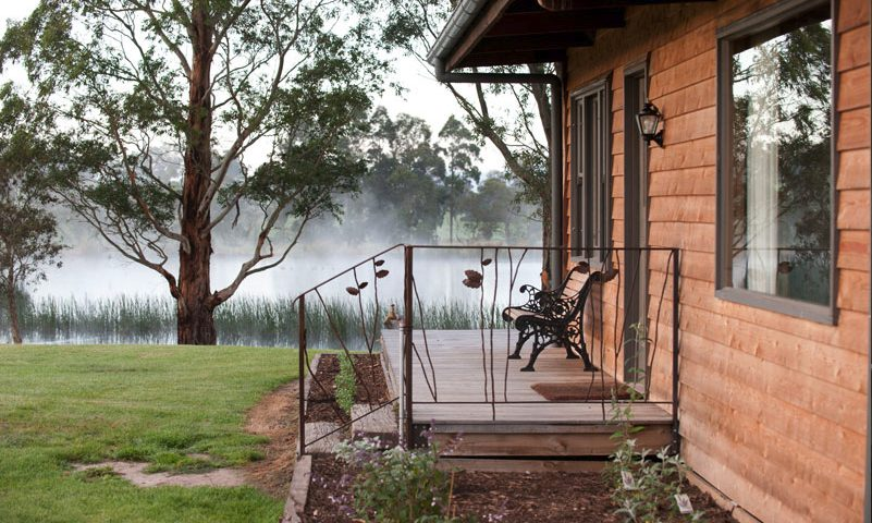 Glenrowan cottage